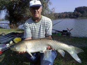 Krencz Tibor és a verseny legnagyobb hala, 5730g- Amur